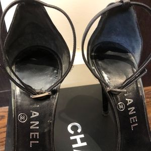 Chanel Shoes - Chanel Black Black 05a G24887x01000 Formal Shoes